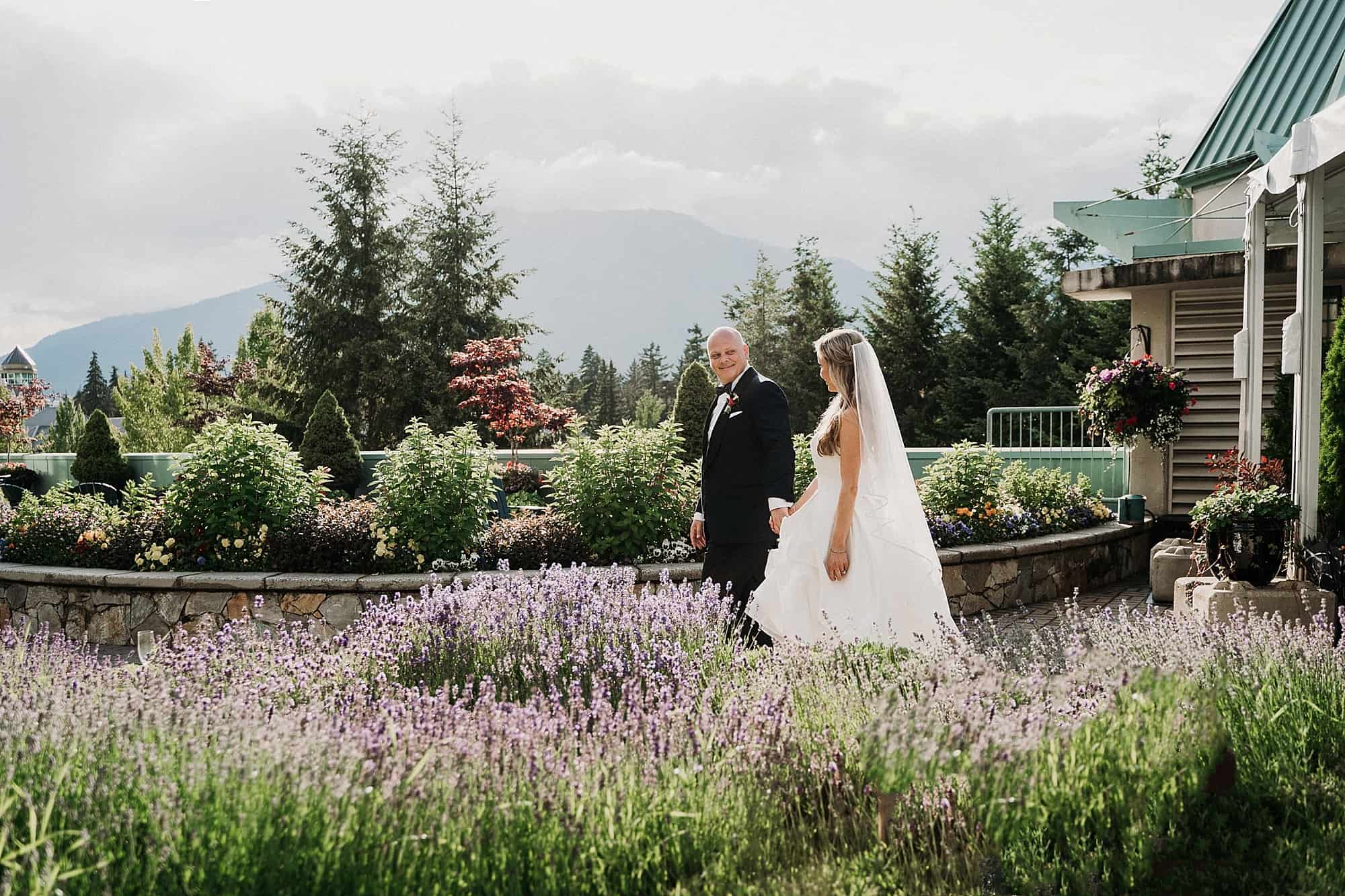 woodlands terrace flowers bridal portraits